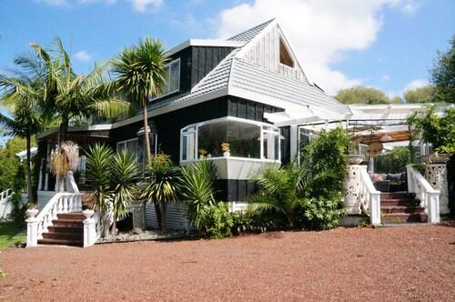 Silver Waters Lodge, Rodney