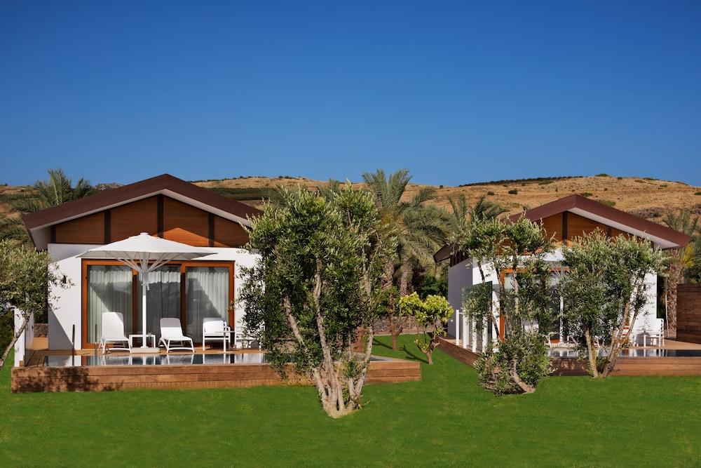 https://i.travelapi.com/hotels/18000000/17770000/17767000/17766947/e84eec72_z.jpg