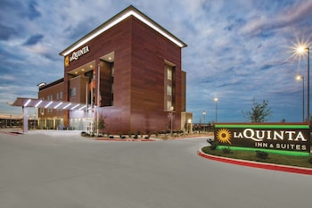 Hotel - La Quinta Inn & Suites by Wyndham San Marcos Outlet Mall