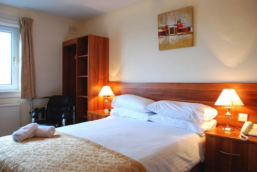 . The Lauderdale Hotel Ltd