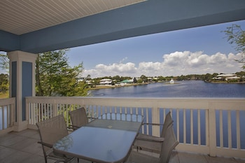 Crystal Cove at Sandestin by Panhandle Getaways
