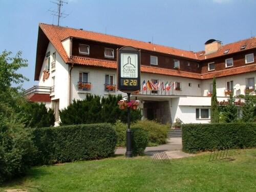 . Hotel Zvíkov