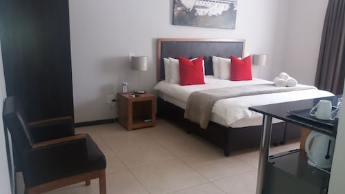 Clanwilliam Hotel by Country Hotels, West Coast