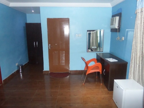 Almond View Hotel and Suites, Amuwo Odofin
