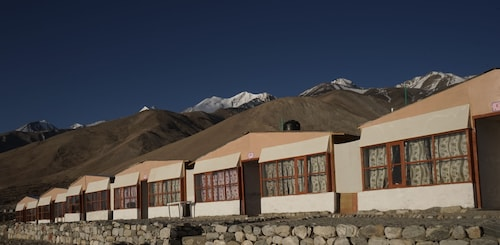 Pangong Holiday Cottages, Leh (Ladakh)