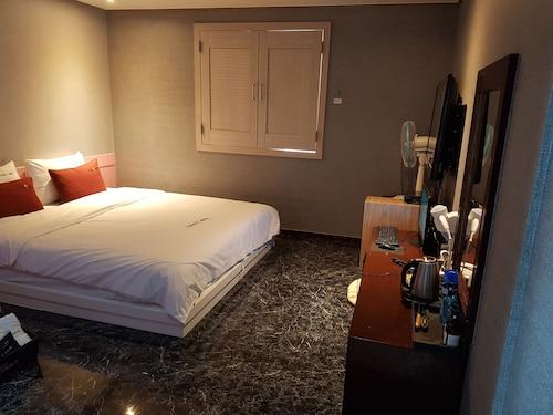 Cloud 9 Hotel, Gimhae