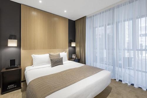 SKYE Hotel Suites Parramatta, Parramatta  - Inner