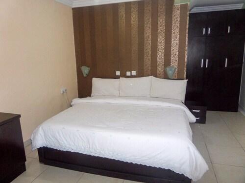 Siman Suites, AbujaMun