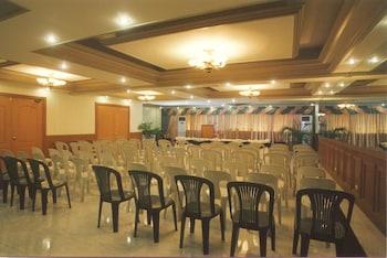 WREGENT PLAZA HOTEL Meeting Facility