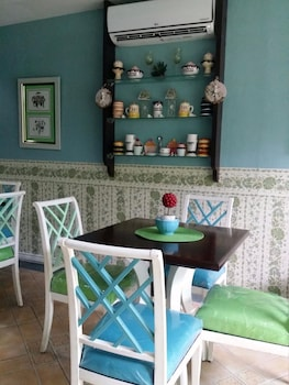 WREGENT PLAZA HOTEL Interior Detail