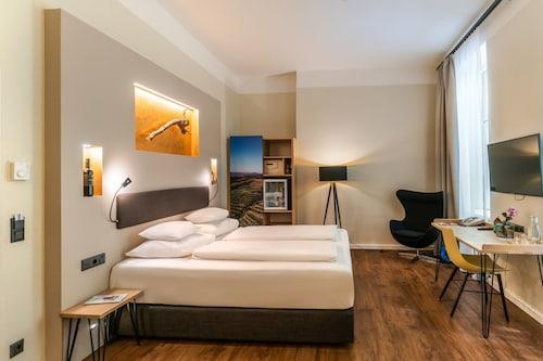 . Hotel Rathaus Wein & Design