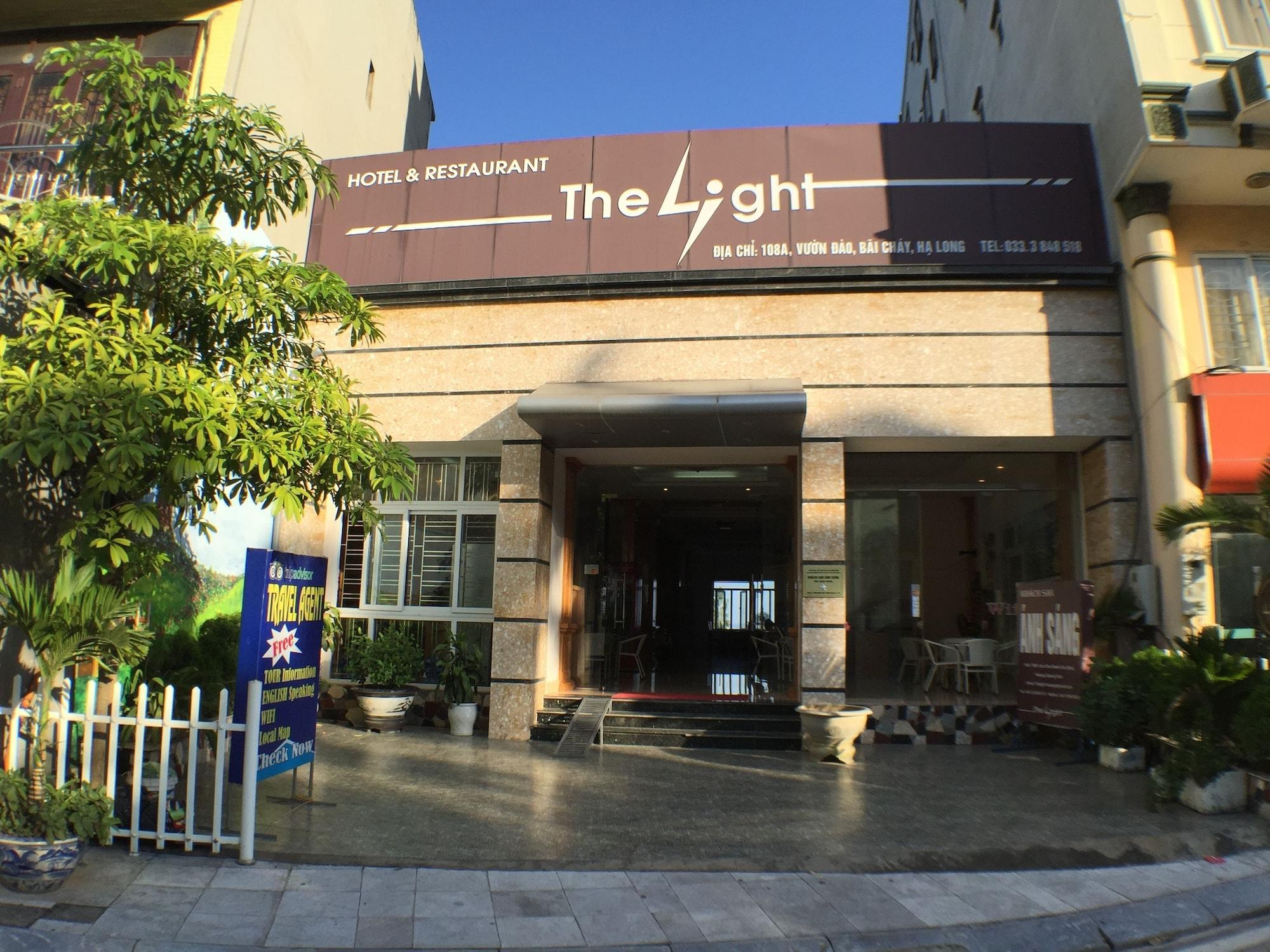 The Light Hotel, Hạ Long