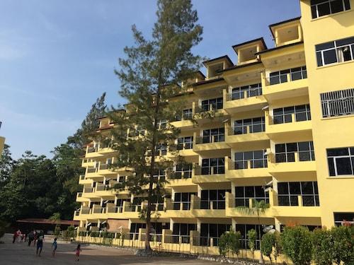 Teluk Batik Holiday Apartment, Manjung