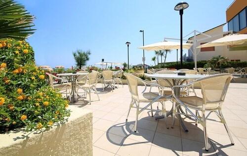 Hotel Caravel, Pesaro E Urbino