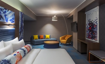 Suite, 1 King Bed, Non Smoking (Savvy Suite)