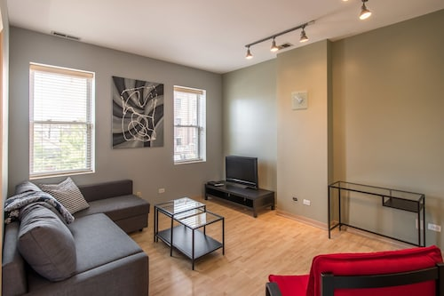 Grand Local Ave Luxury Apartments, Cook