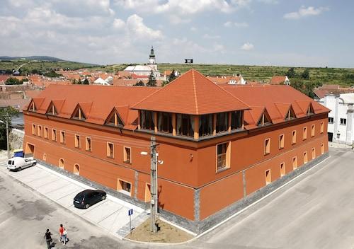 Hotel Majolika, Pezinok