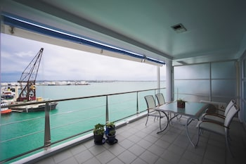 Fabulous Waterfront Apartment photo