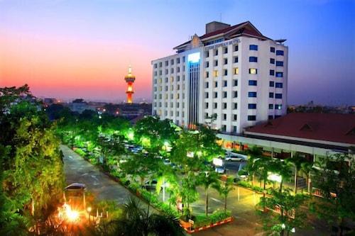 Khumsuphan Hotel, Muang Suphanburi