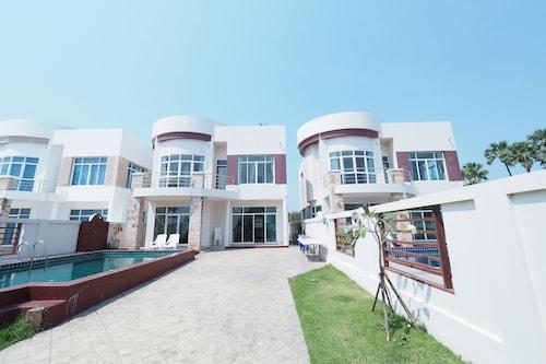 Villa San - D 1, Pran Buri