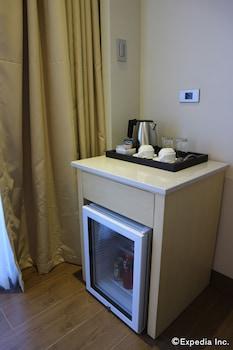 SAVOY HOTEL BORACAY NEWCOAST Minibar