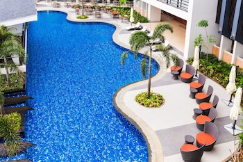 SAVOY HOTEL BORACAY NEWCOAST Outdoor Pool