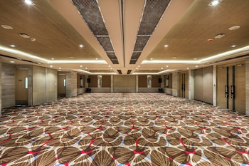 SAVOY HOTEL BORACAY NEWCOAST Banquet Hall