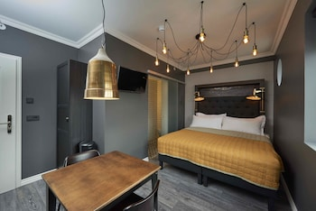. 105 - A Townhouse Hotel