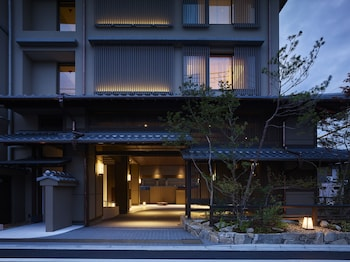 HOTEL THE CELESTINE KYOTO GION Front of Property - Evening/Night