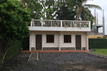 MAYON VIEW GARDEN APARTELLE & RESTAURANT Front of Property