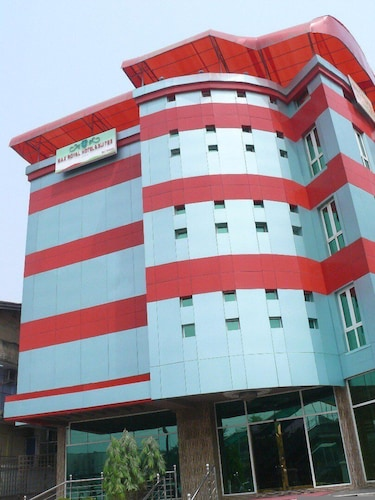 Max Royal Hotel & Suites, Mushin