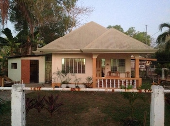 BOHEMIAN HOSTEL Front of Property - Evening/Night