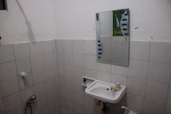 BOHEMIAN HOSTEL Bathroom