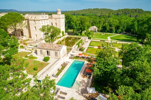 __{offers.Best_flights}__ Château de Pondres