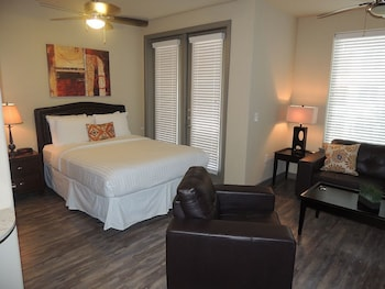 New Studio Dallas Luxury Uptown Downtown by RedAwning