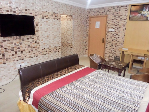 First View Luxury Hotel, Apapa
