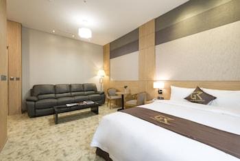 ゴールド リバー ホテル