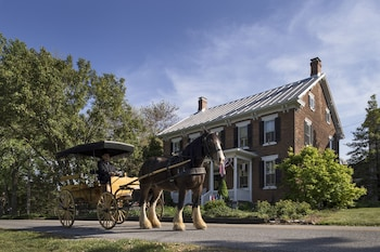 Hotel - Pheasant Field Bed and Breakfast