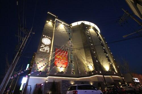 February Hotel Sungseo, Dalseong