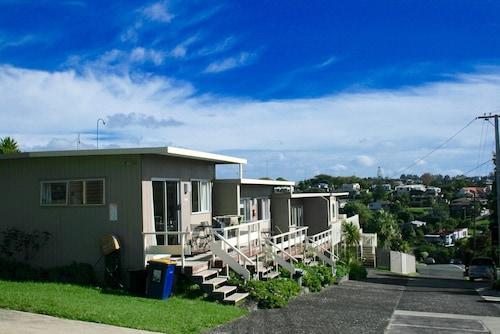 . Sea Vista Apartments