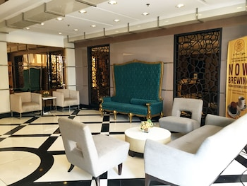 SOLEMARE PARKSUITES CONDO R US Lobby