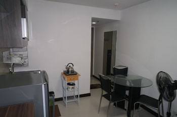 SOLEMARE PARKSUITES CONDO R US In-Room Dining