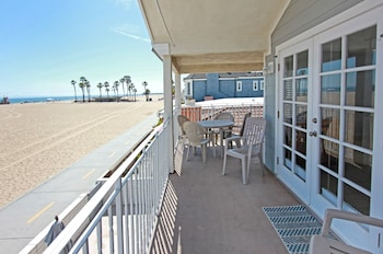 1404 W Ocean Front B 68166 by RedAwning