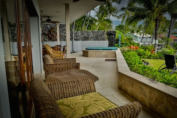 Alii Point Oceanfront by RedAwning