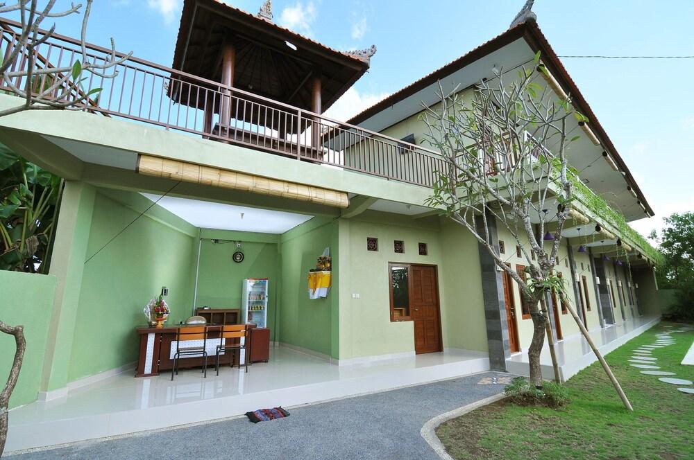 Cempaka Mas Guesthouse