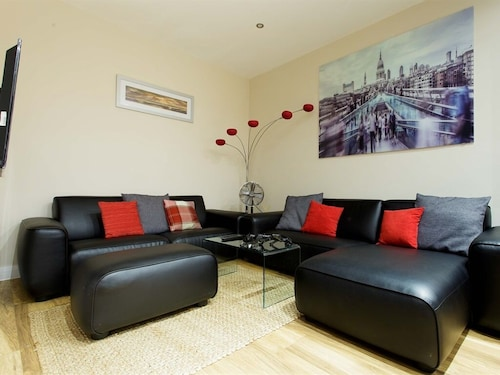 . Select Serviced Apartments