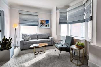 Suite, 2 Queen Beds (Jimmy)