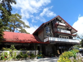 Safari Lodge Baguio Front of Property