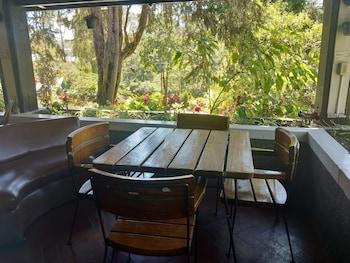 Safari Lodge Baguio Terrace/Patio