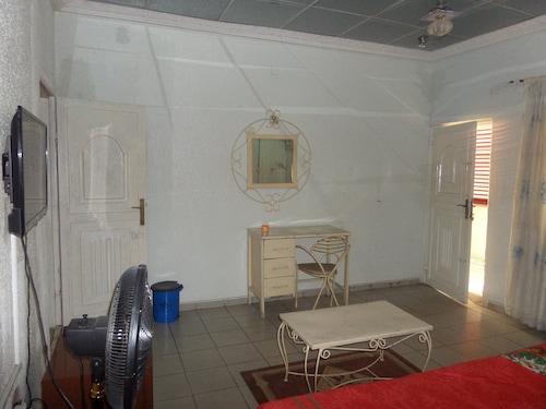 Crown Princess Hotel, AbujaMun